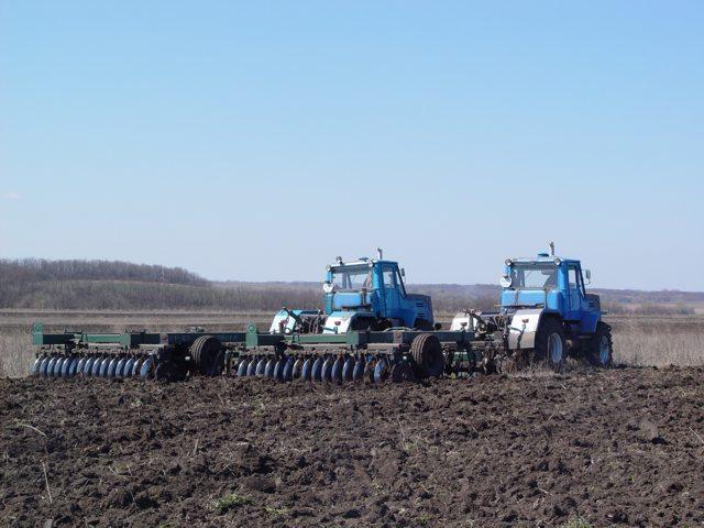 Запчасти для трактора, тракторные запчасти.